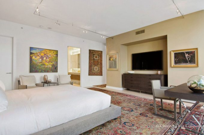 San-Francisco-Contemporary-Condo-with-Persian-carpets-Master_Bedroom_with_green_Sultanabad_Antique_Rug