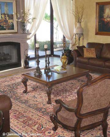 Laver Kirman in a living Room