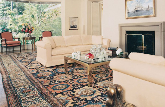 Antique Place Size Malayer Rug in Living Room